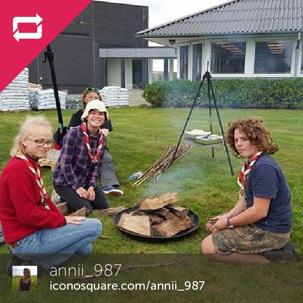 Vi havde det sjovt! Trods vejrt.... #scout #1rygruppe #hedensted #landogfritid #hedensted #landogfritidhedensted #spejder #rain #tbt #rainyday #campfire #Campingkage #fall #autumn #havingfun #umbrella - Foto: Annii_987